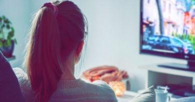 Binge watching, coraz powszechniejszy sposób na relaks
